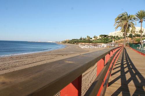 Coastal path that links la cala de mijas to calahonda - Boardwalk marbella ...